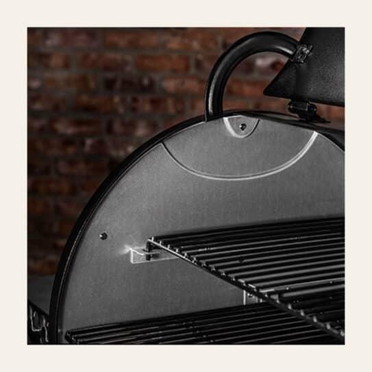 Ironwood Series D2 885 Pellet Grill